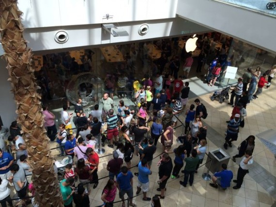 Apple store on a busy day