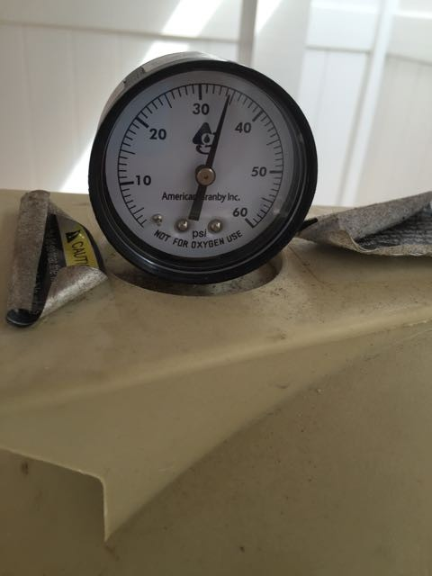 Pool pump pressure gauge