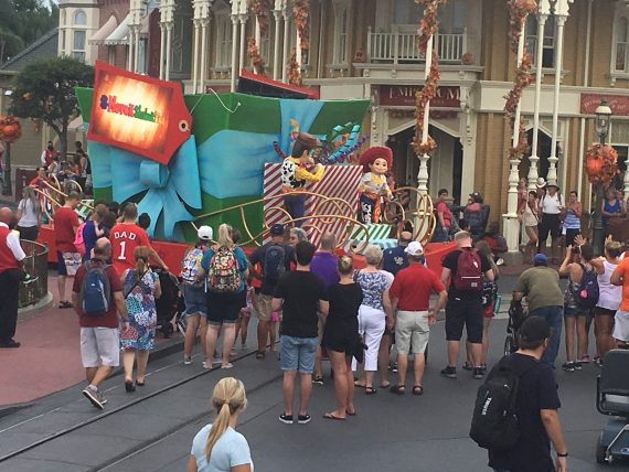 Disney Move It, Shake It, Celebrate It parade