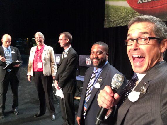 5 Disney Institute speakers on stage